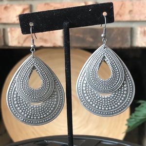 Metal Teardrop Dangle Earrings